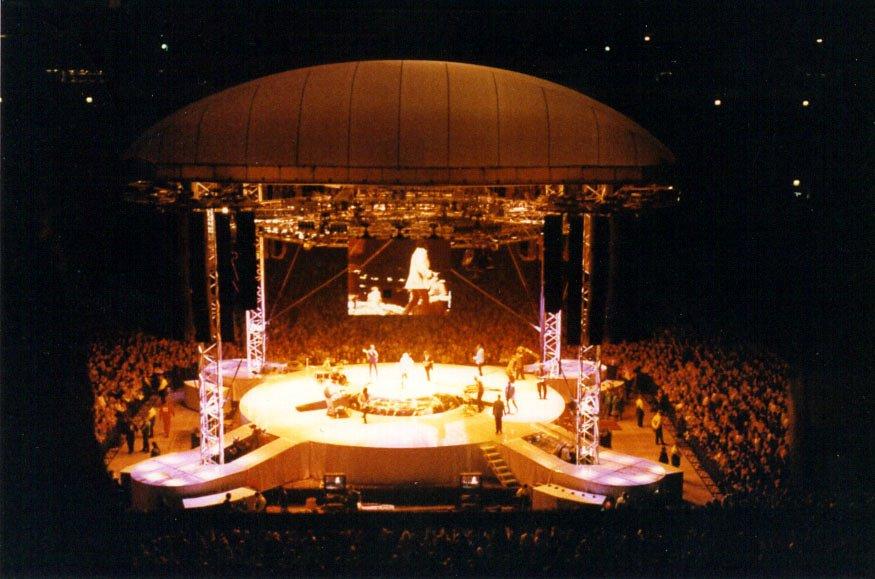 1995 Rod Stewart stage 3